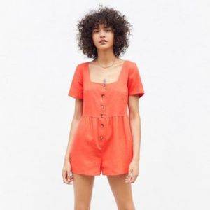 urban renewal red linen romper Size small NWT
